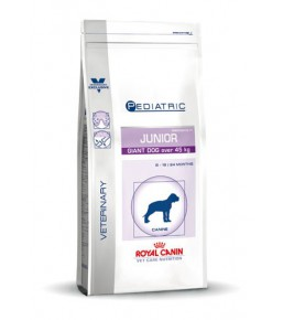 Royal Canin Giant Junior (over 45 kg) dog food - Kibbles