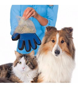 Grooming / brushing glove for dogs and cats